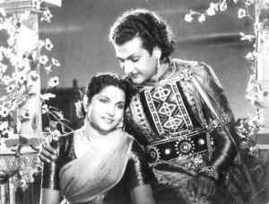 NTR_and_Malathi_in_Pathala_bhairavi_1951